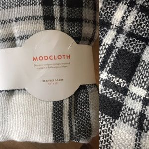 NEW in packaging MODCLOTH blanket scarf